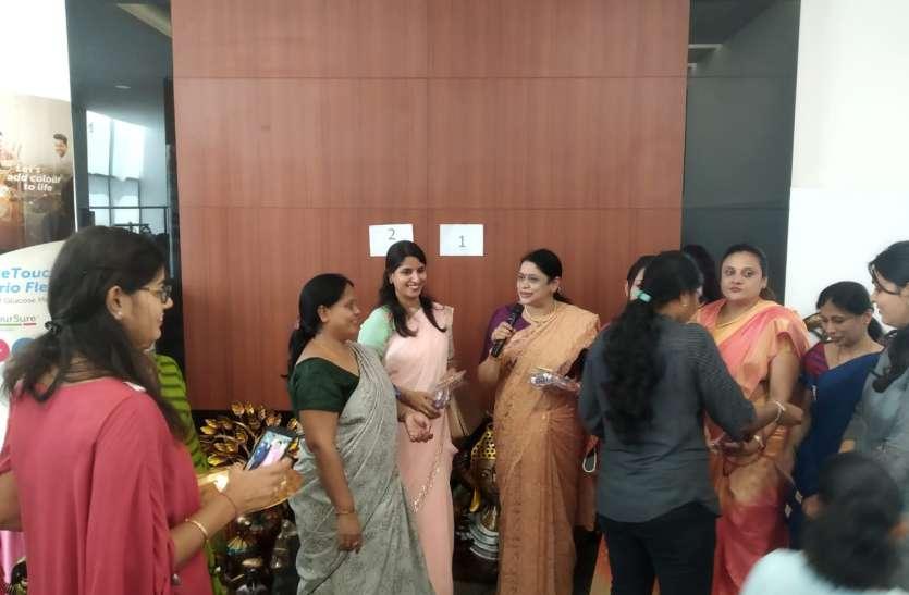 Tamilnadu: दीपावली मेले में दिनभर रही ग्राहकों की रेलमपेल