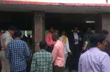 रेलवे में किलाबंदी व एंबुस टिकट चेकिंग अभियान में वसूले 70 हजार