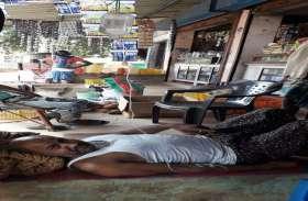 4 महीने से बोर से आ रहा गंदा पानी, फैला डायरिया, एक की मौत, 40 बीमार, दुकान व घर के आंगन में चल रहा इलाज, देखिए तस्वीरें