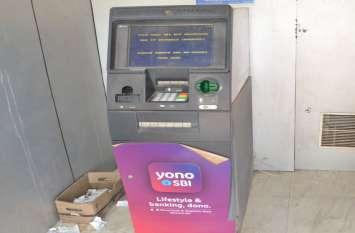 ATM Closed- त्योहारों में कैश का संकट, बंद हुए एटीएम