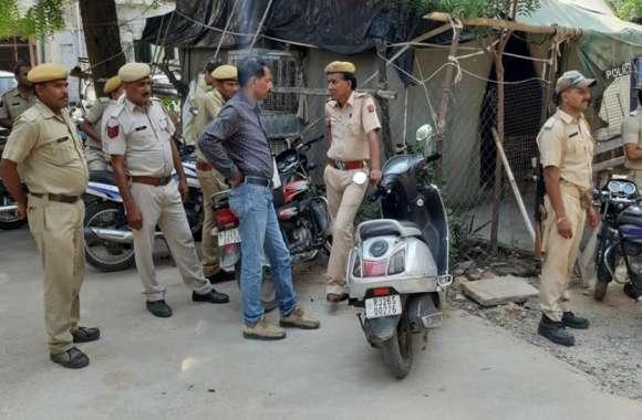 मालपुरा में तनाव के बाद पुलिस जाप्ते के बीच अदा की जुम्मे की नमाज