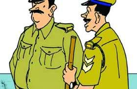 वारंटी पकडऩे गई पुलिस टीम पर हमला