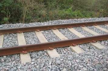 आपको पता है रेलवे ट्रैक पर क्यों डालते हैं गिट्टी, रेलवे इंजीनियर ने बताई ये बात