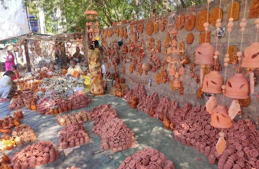 गोवा की थाली में राजकोट के दीपक और बंगाल की लालटेन