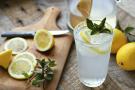 Detox Drinks: नींबू, खीरा और अदरक से बना हेल्दी ड्रिंक करता शरीर की अंदरुनी सफाई