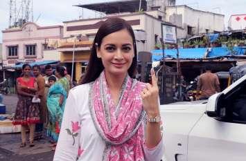 Maharastra Voting : महाराष्ट्र विधानसभा चुनाव: सरकार चुनने के लिए सड़कों पर उतरे सितारे