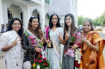 जोधपुर पहुंची फिटनेस दीवा कंचन सोलंकी, मिसेज इंडिया यूनिवर्स में अपने नाम किए तीन खिताब
