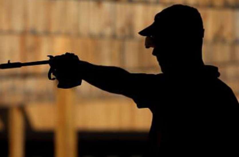 शूटिंग रेंज में अभ्यास के दौरान भिड़ गए दो निशानेबाज