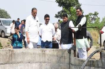 विधानसभा की स्थानीय निकाय एवं पंचायत राज लेखा समिति ने शहर के साथ ग्रामीण क्षेत्रों में किया दौरा