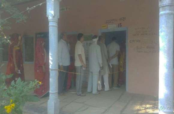 उपचुनाव को लेकर मंडावा में मतदाताओं में उत्साह
