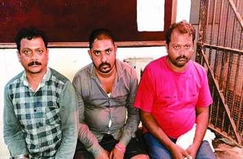 नशे के सौदागर आये पुलिस की गिरफ्त में, भारी मात्रा में नशे के सामान के साथ 2 पकड़ाए