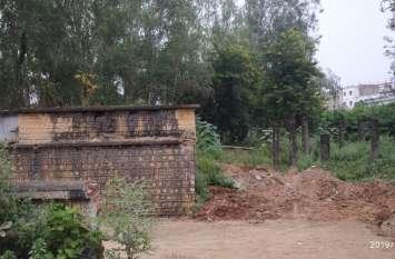 चिकित्सालय परिसर में मृत मवेशियों एवं लावारिश शव दफनाए जाने पर सीएमएचओ ने जताई आपत्ति