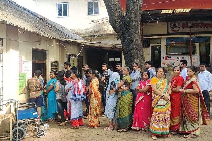 Maha Election: ईवीएम में कैद हुआ उत्तर मध्य मुंबई के प्रत्याशियों का भविष्य