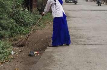 गंदगी के बीच जीवनयापन को मजबूर रहवासी, संक्रामक बीमारियों का खतरा