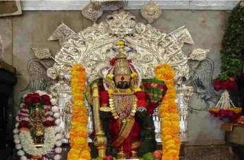 यहां पश्चिम की ओर देखती हैं मां लक्ष्मी, सूर्य देव करते हैं माता के चरण स्पर्श