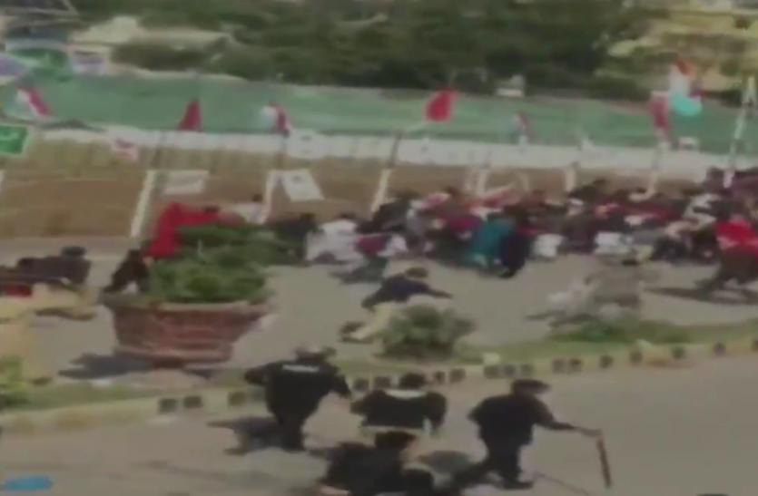 PoK के मुजफ्फराबाद में प्रदर्शनकारियों पर लाठीचार्ज में 2 की मौत, दर्जनों घायल