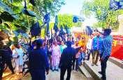 सीकर जिले के इस कस्बे में लोगों ने पालिका प्रशासन को दिखाए काले झंडे