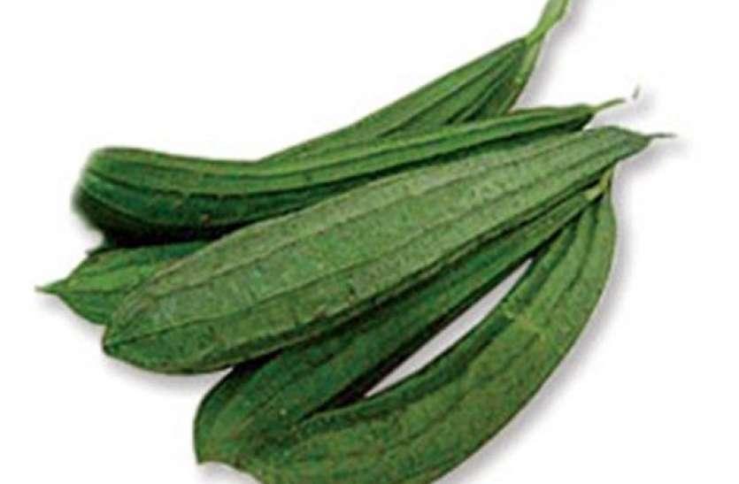 नारियल तेल में पकाकर लगा लें इस सब्जी का रस, बाल काले होने समेत होंगे ये 10 फायदे