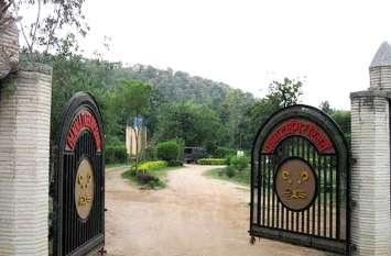 Panna National Park  Tiger Reserve: टूरिस्ट गाइड व जिप्सी चालकों से बोली पुलिस-मुफ्त में कराओ सैर