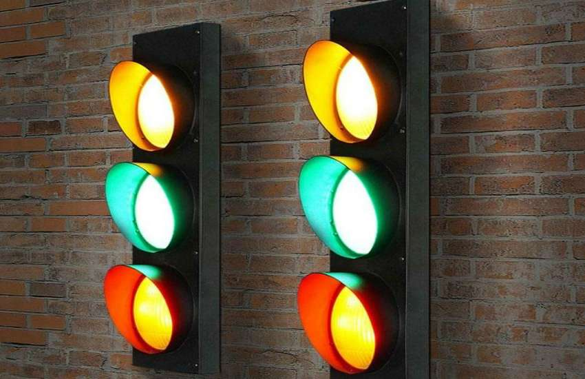 traffic_lights_are_red_yellow_and_green.jpg