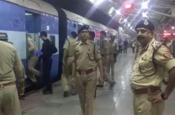 कमलेश तिवारी हत्याकांड में शामिल आरोपियों की तलाश में पुलिस ने देर रात तक चलाया चेकिंग अभियान