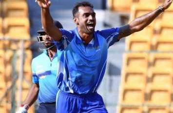 विजय हजारे ट्रॉफी में हैट्रिक लेने वाले कर्नाटक के पहले गेंदबाज बने अभिमन्यु मिथुन