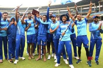 विजय हजारे ट्रॉफी : बारिश से बाधित मैच जीत कर्नाटक बना चैम्पियन, फाइनल में तमिलनाडु को दी मात