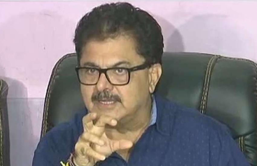 दिवाली पर बॉलीवुड निर्देशक ने किया आतंकी बगदादी को लेकर पोस्ट, लोगों ने जमकर किया ट्रोल