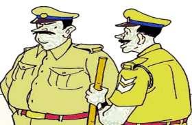 नशे में धुत्त पुलिसकर्मी को ग्रामीणों ने बंधक बनाया