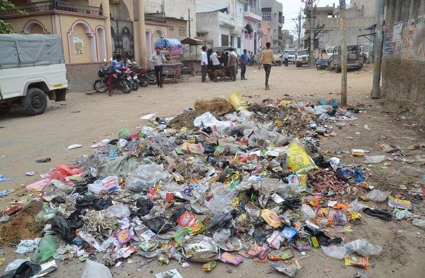 Changemaker 2.0 : सीवरेज के गड्ढ़ों ने बदहाल कर दी शहर की सूरत जख्म अब नासूर बनने लगे हैं