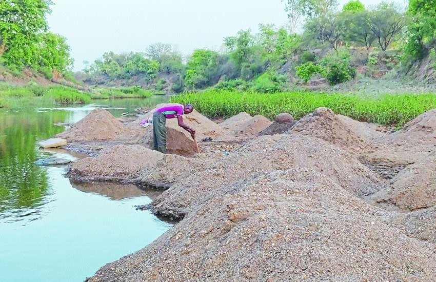 Illegal sand mining in hiran river