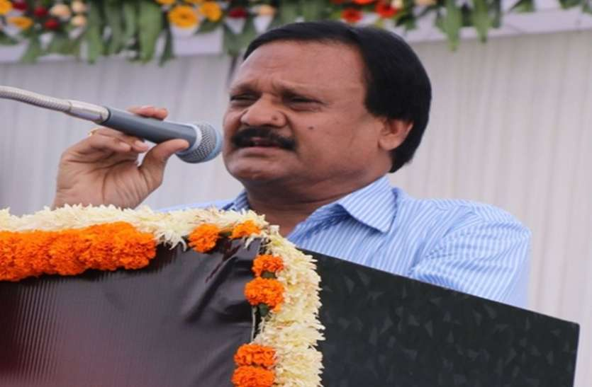 Government taping Congress leaders' phones: Sajjan
