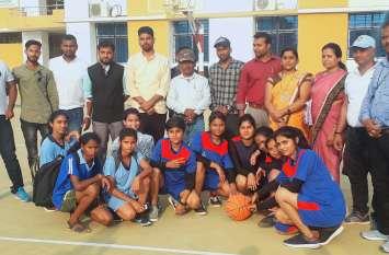 जिला स्तरीय महिला बास्केटबॉल प्रतियोगिता में कमला कॉलेज का कब्जा