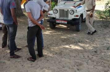 नारवाड़ा में गोचर भूमि से अतिक्रमण हटाया