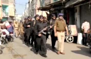 अयोध्या फैसले के बाद ब्लैक कैट कमांडो के साथ सड़कों पर उतरी फोर्स, देखें Video