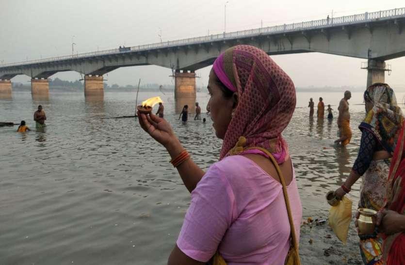 ऐतिहासिक फैसले के बाद अयोध्या में नई सुबह, रामलला ने पहने गुलाबी वस्त्र, पूजन के बाद विशेष पकवानों का लगा भोग