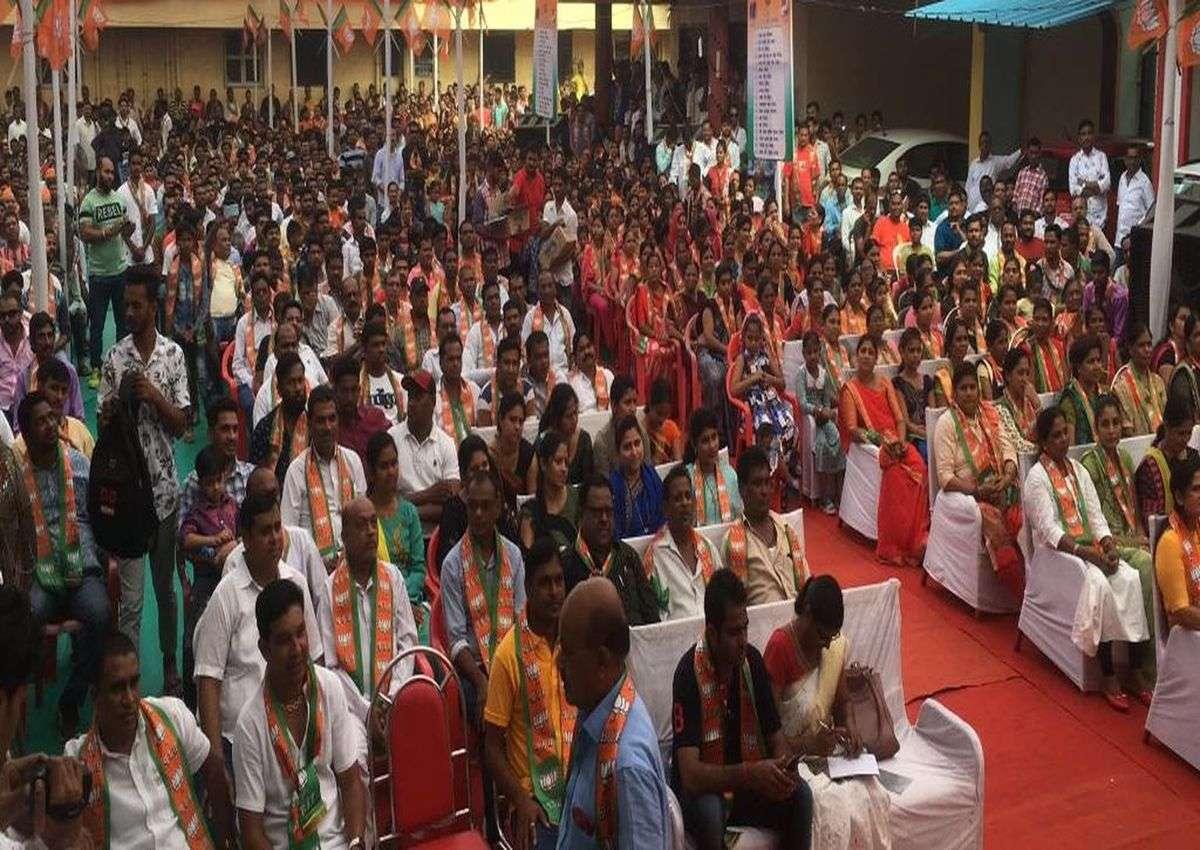 जानिए कहां कांग्रेस के गढ़ में 2000 लोग हुए भाजपा मेंशामिल