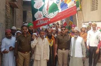 पैगम्बर साहब के जन्मदिन पर हिंदुओं ने पेश की ऐसी मिसाल, UP Police भी जमकर कर रही तारीफ, देखें वीडियो