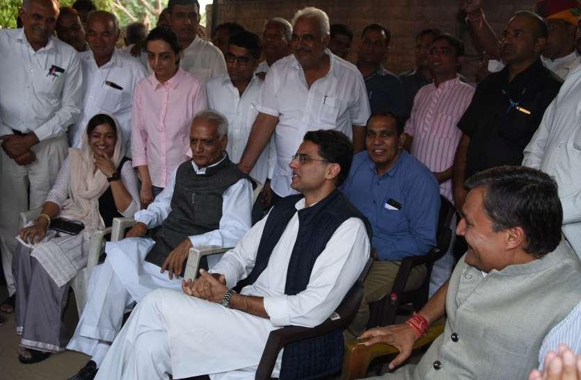जोधपुर में चढ़ा सियासी पारा, मदेरणा से मिले पायलट, कांग्रेस नेताओं से बंद कमरे में मुलाकात