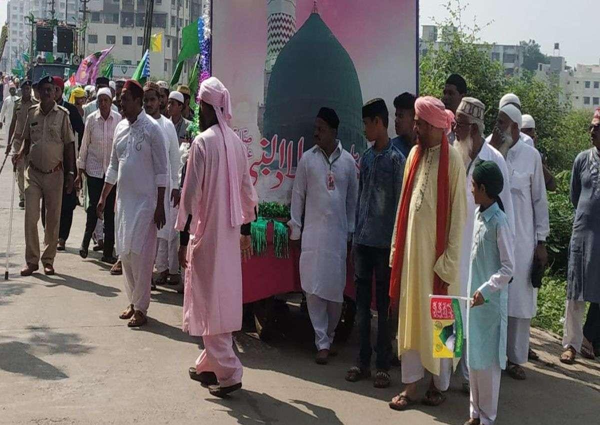 Birthday of Prophet Mohammad: तिरंगा के साथ निकला ईद का जुलूस जुलूस