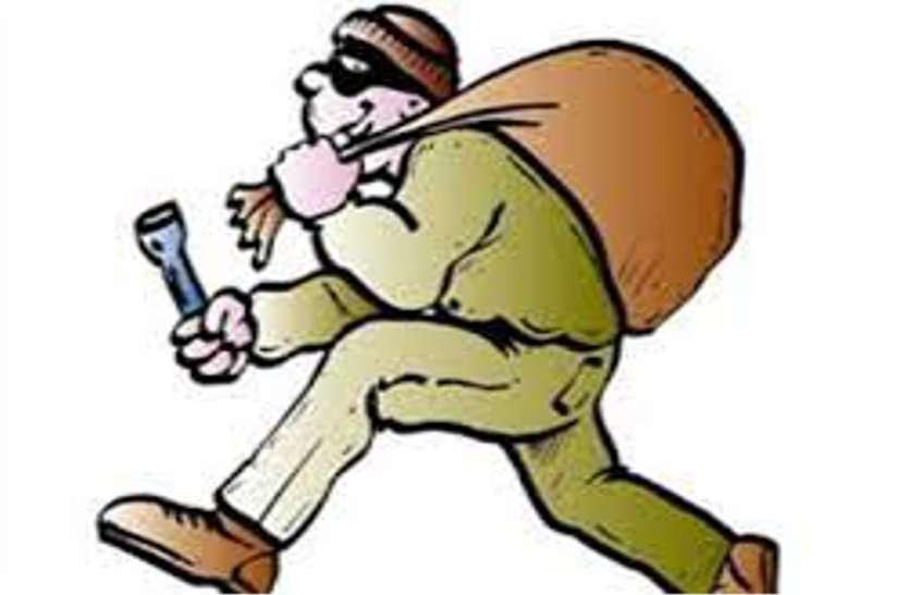 पुलिस बन युवक को रोका, मास्क नहीं पहनने पर जेब से निकाल ले गए 20 हजार