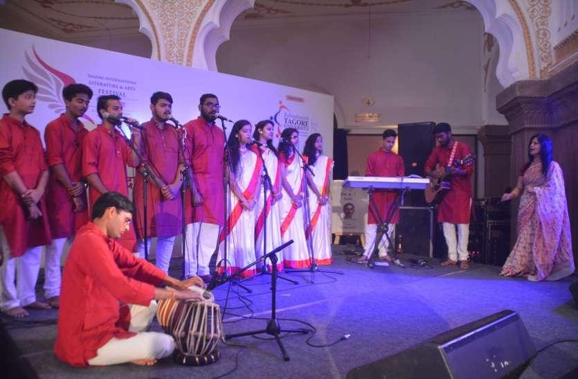 हिंदी बोलते हैं तो लगता है संगीत गूंज रहा