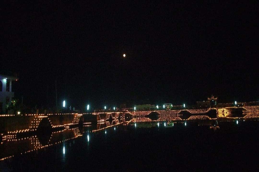Devdeepavali 2019 Bhairav Talab illuminated with 16000 lamps