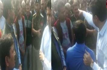 बीजेपी नेता के बेटे की हत्या: अमेठी डीएम ने खींची मृतक के पीसीएस अधिकारी भाई की शर्ट, हुआ बवाल