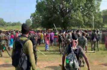 पुलिस कैंप का विरोध करने ग्रामीणों ने किया आंदोलन, लोगों को खदेड़ने पुलिस ने की हवाई फायरिंग