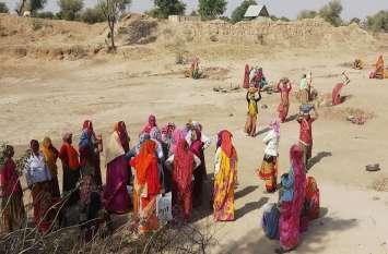 जम्मू कश्मीर में मनरेगा के श्रमिको का 1000 करोड़ बकाया