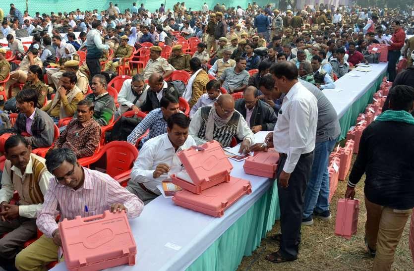 5109 पुरुष और 2832 महिलाएं हैं मैदान में, जानें पूरे निकाय चुनाव के आंकड़े