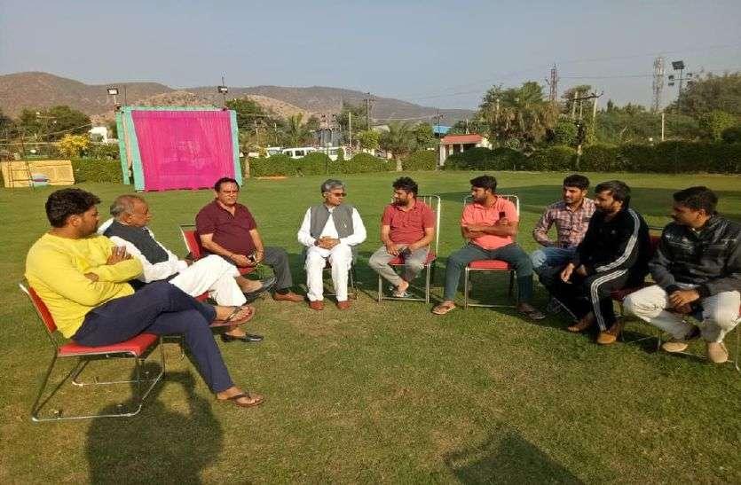 निकाय चुनाव के बाद कांग्रेस ने अलवर और भाजपा ने हरियाणा में कराई बाड़ेबंदी! दोनों पार्टियों ने प्रत्याशियों को यहां ठहराया