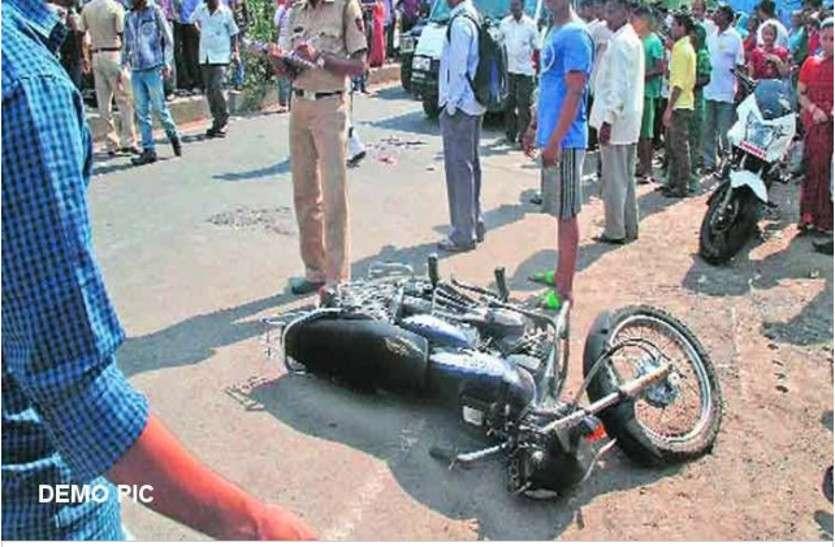 नगर निगम के डंपर ने बाइक को मारी टक्कर, सवार बुजुर्ग की हुई दर्दनाक मौत