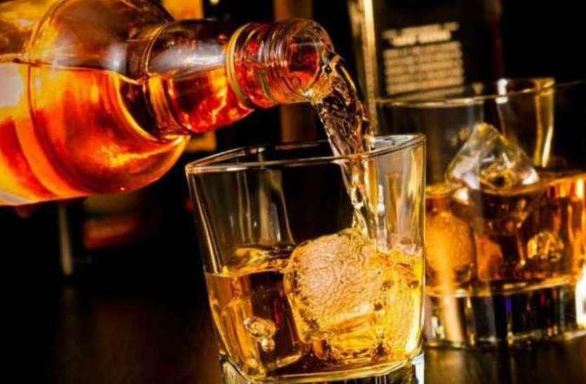 अवैध शराब के खिलाफ पुलिस ने एक घर में छापा, अवैध शराब की खेप के साथ दो तस्कर गिरफ्तार